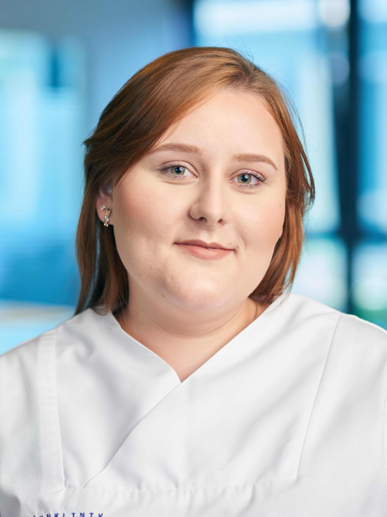 Anastasia Schleicher   VITAL Zahnärzte Karlsruhe